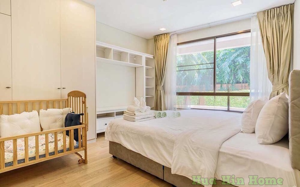 Marrakesh Hua Hin Resort  90 000THB